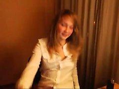 Блондинка подросток в белье стриптиз
