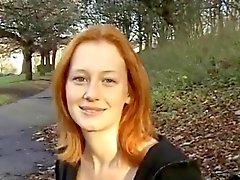 Sexy Punaiset BritTeen Alana on Smithin valo vilkkuu puisto