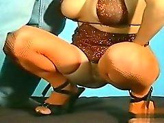 Sexy cowgirl deepthroat de bâillon