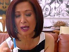 Sexy азиатская баба Anal принимает к
