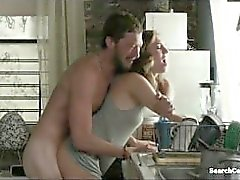 Allison Williams - Lena Dunham - Girls (2015) s4e1