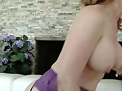 Hot housewife first squirt