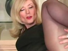 Puma Reife Nina Hartley will Sperma