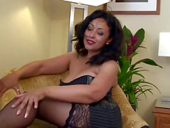hot mummy Danica bedroom action