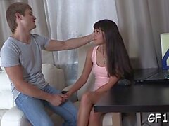 Brunette Russian Simons Love Tunnel geleckt gut