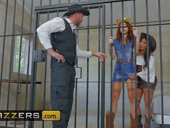 Brazzers - Hot And Mean - Lela Yıldızı Molly Stewart - Aranıyor Fucked Veya Alive Part 1