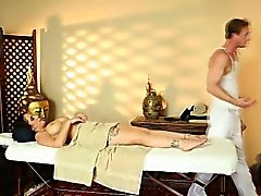 Tat chick gets massage