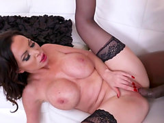 Nikki Benz pleases a black guy