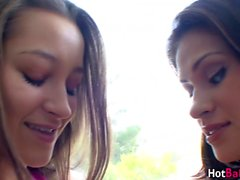 Young Dani Daniels seduces hottie Vanessa Cruz into oral 69