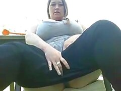 BBW graisse essayant de se masturber la chatte en plein air webcams en direct