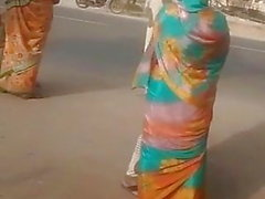 satinsilk sari aunty