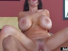 Busty Daphne Rosen wants a cumshot on her knockers